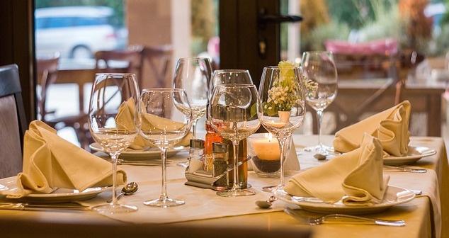 dining tips.jpg