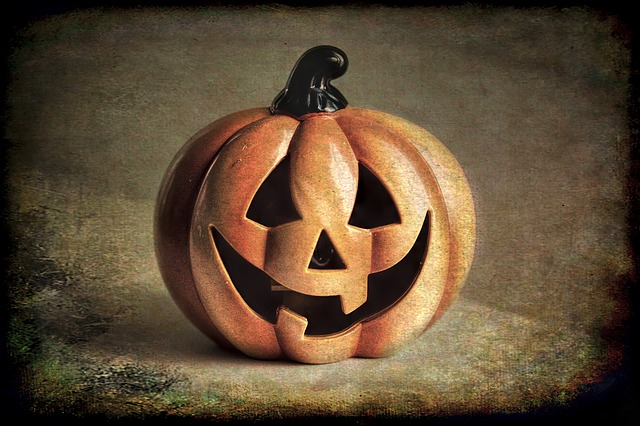 Halloween is here - Get your Language Treats with our 7 Simple Tricks