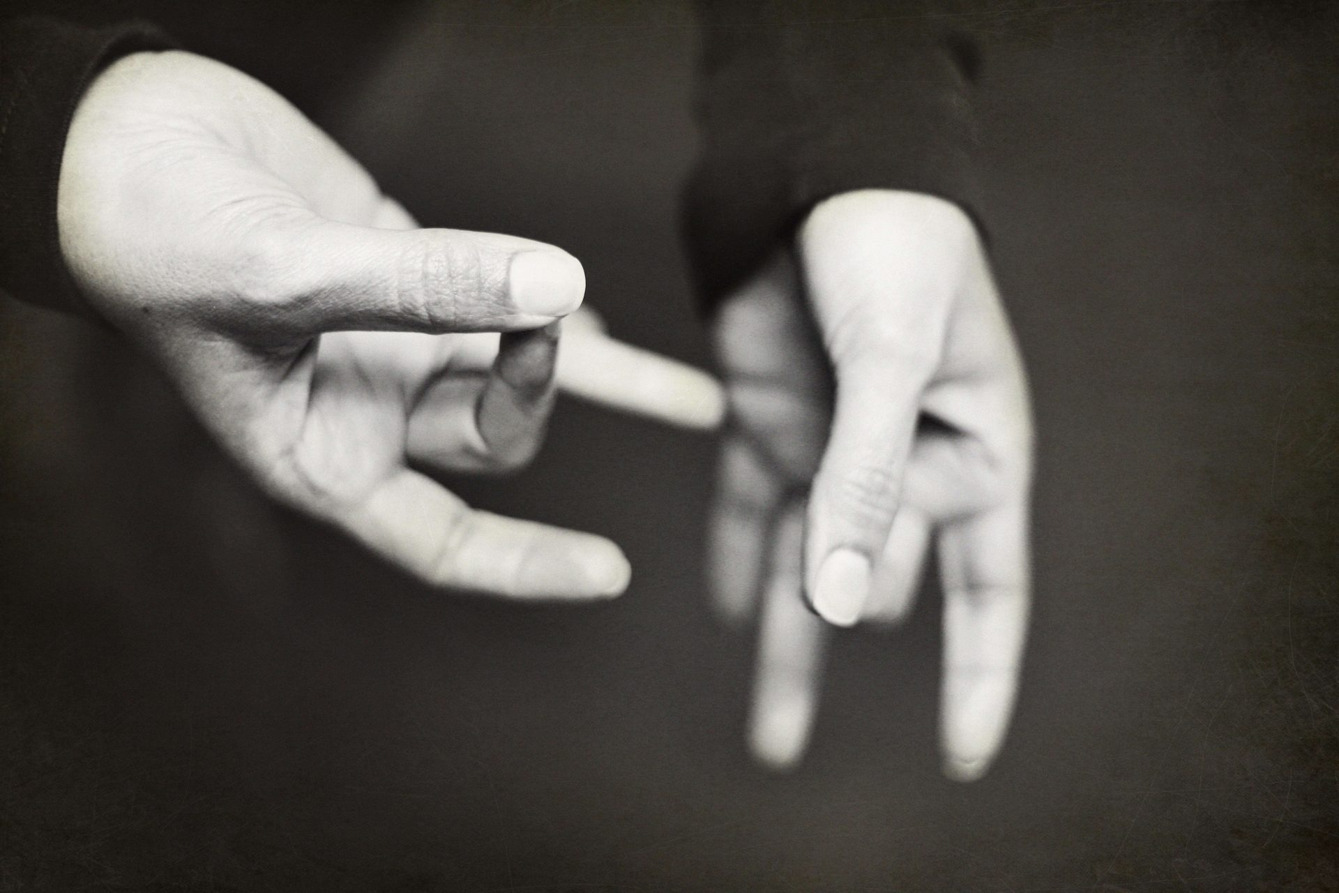 How to Learn Sign Language?